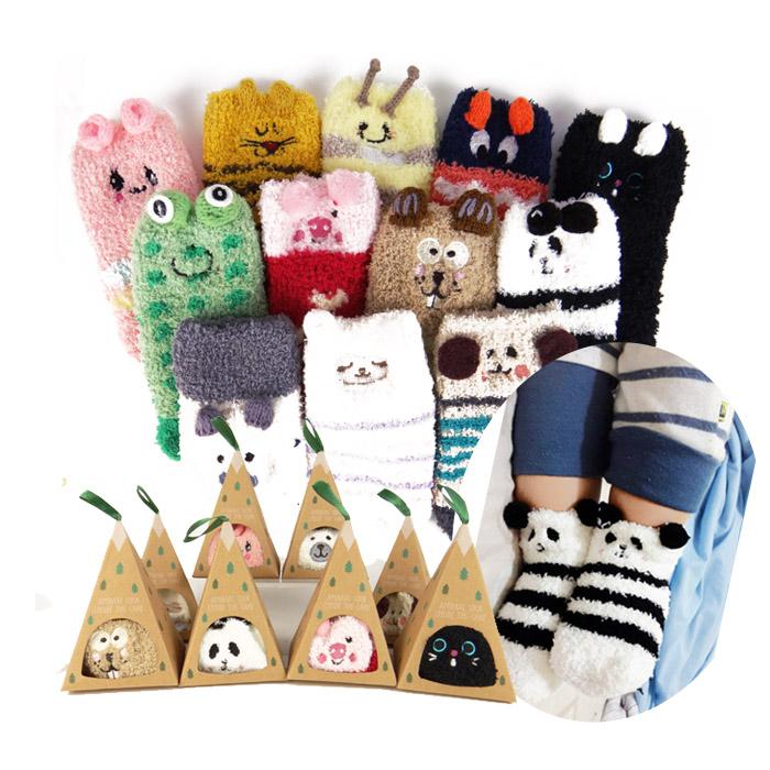 韓版 刺繡寶寶防滑地板襪/珊瑚絨兒童襪嬰兒襪 乙雙入 隨機出貨不挑款/色【ROLI216C】