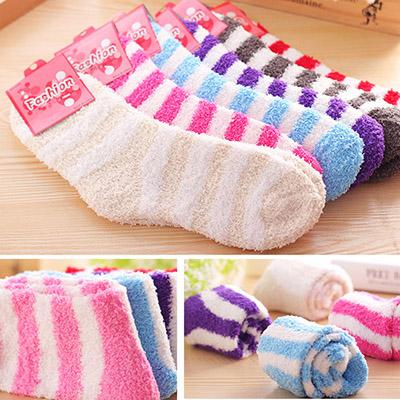 條紋毛巾襪子/女中筒襪加厚地板毛絨襪/秋冬款珊瑚絨保暖睡眠襪 乙雙入 (隨機出貨不挑款/色)【ROLI238C】