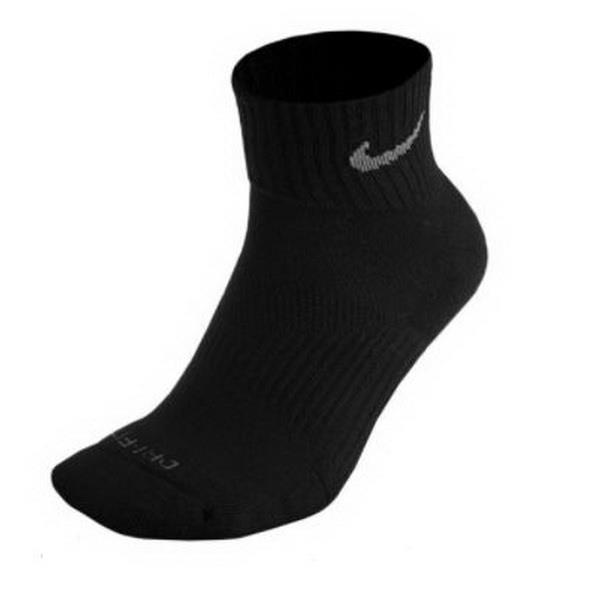超越登山體育用品社 NIKE SX4882001 中性 NIKE 休閒健身防臭襪 黑色