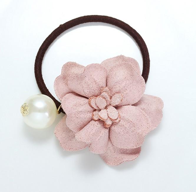正韓麂皮花朵珍珠髮圈^~夏綠蒂didi~shop