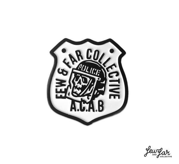 Few  Far A.C.A.B. 橄欖球警徽元素別針^(3.2 x 3.4 CM^)