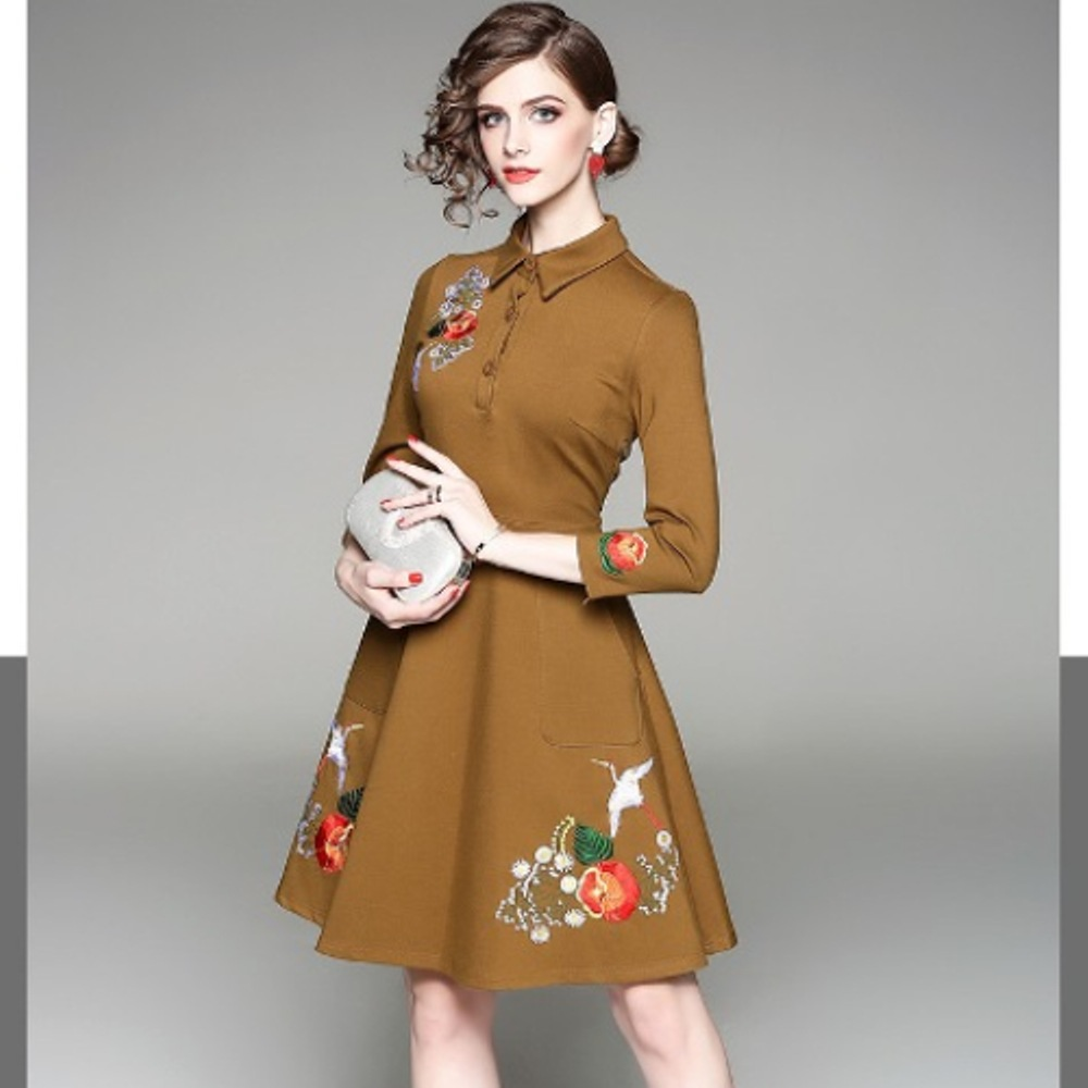 预购【伊凡莎时尚】2P19-8268E典雅气质花鸟刺绣洋装